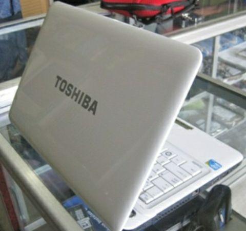 Computadores a venda em promoção