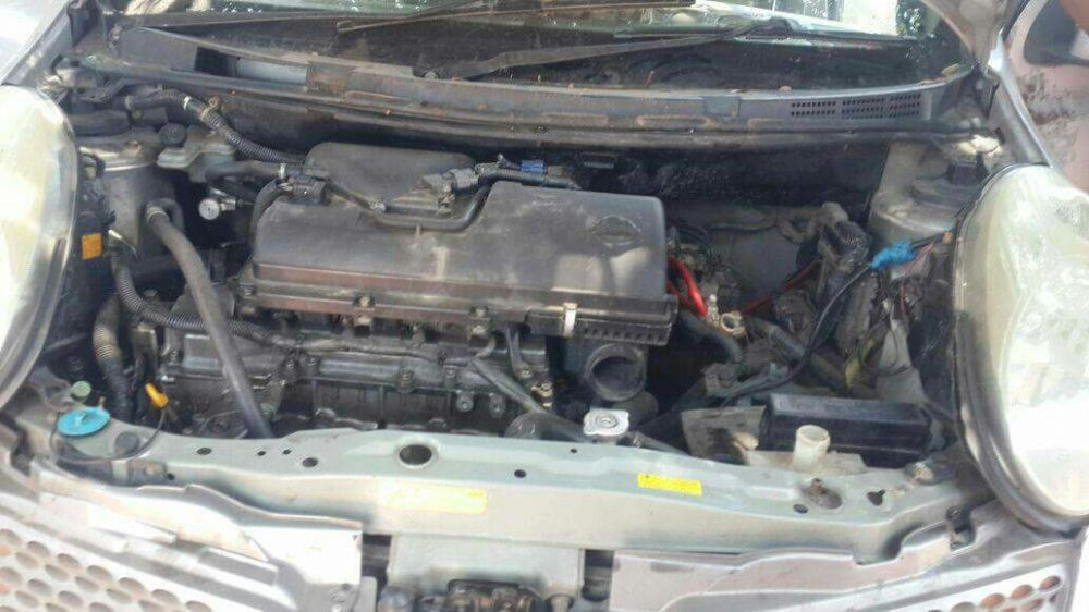 Motor e caixa de Nissan march