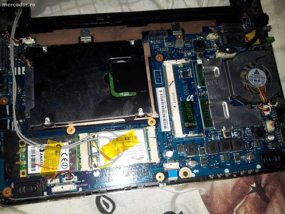 Netbook Samsung NP - NC10 (modelul cu 3G) - pentru piese
