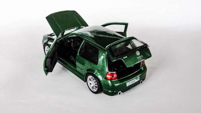 Умалени модели на VW Golf 4 в мащаб 1/24 по поръчка! гр. София - image 5