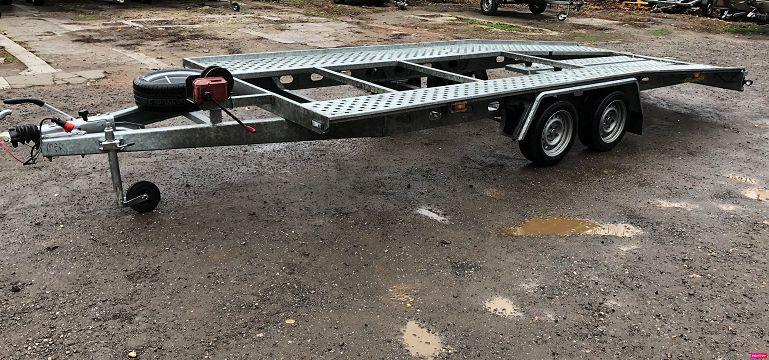 Inchiriez platforma auto 5m lungime /2700kg