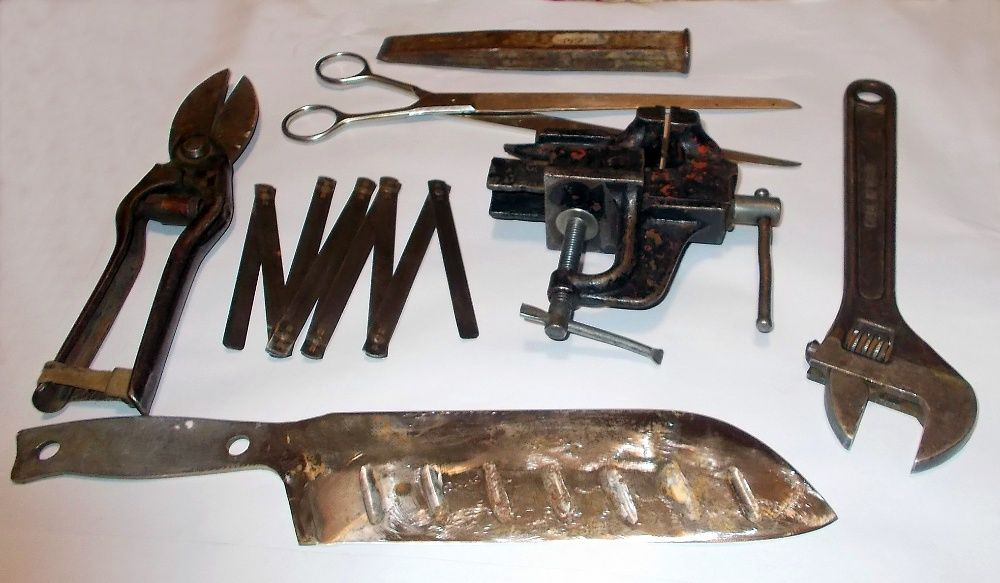 набор слесарных инструментов