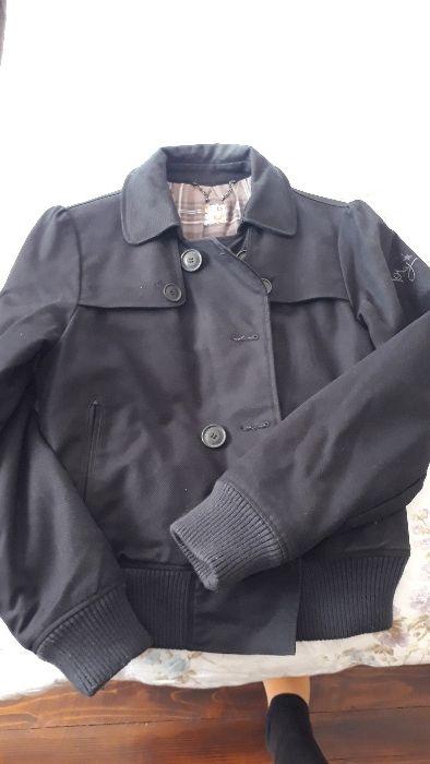 Перфектно състояние, оригинално яке Roxy, m/l размер