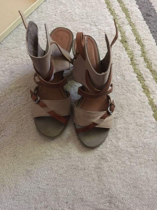 Sandale cu toc piele naturală