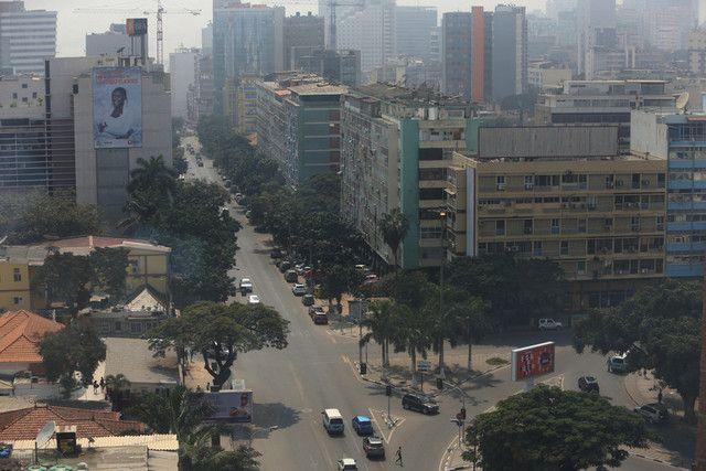 Vende-se Edifício residencial rua rei katyavala Maianga - imagem 1