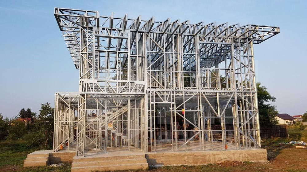 Structura metalica usoara pentru Case si Hale - de la 85 euro+TVA/mp