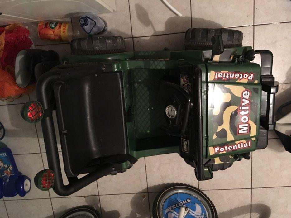 Vând jeep electric
