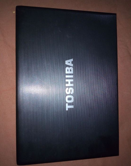 Vendo Laptop Toshiba Core I5 400GB