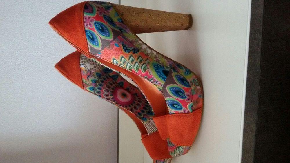 Pantofi decupati Desigual