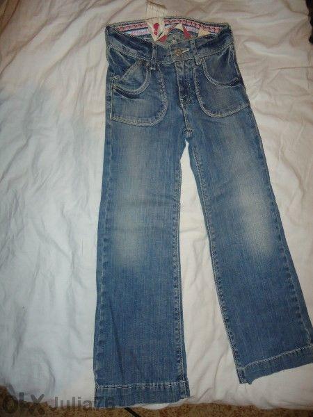Нови дънки за момиче