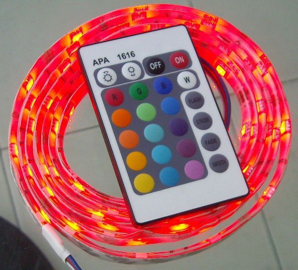 KIT Banda LED flexibila mulicolora amenajari interioare + telecomanda