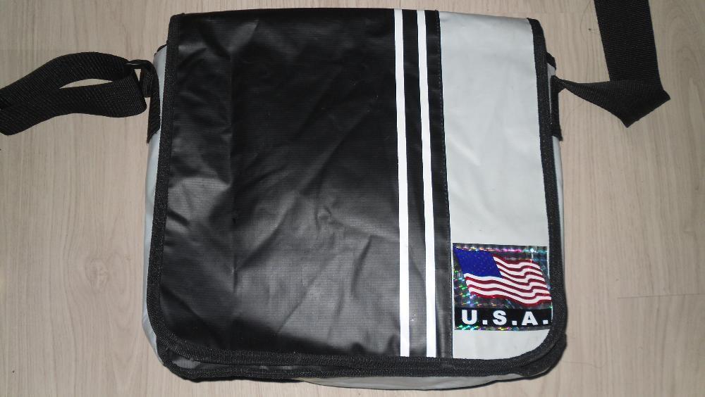 Geanta sport USA impermeabila cu bareta lata pentru umar