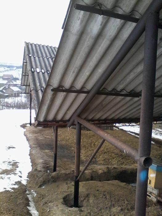 vand saivan din ferme metalice în suprafață de 200 mp.