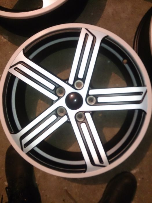 "Jante model Golf R Cadiz 17"" noi"
