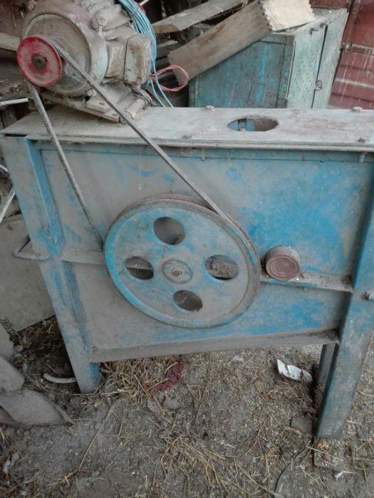 Masina de batut porumbul