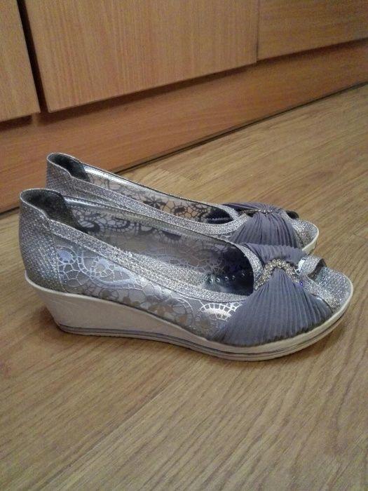 Официални детски обувки