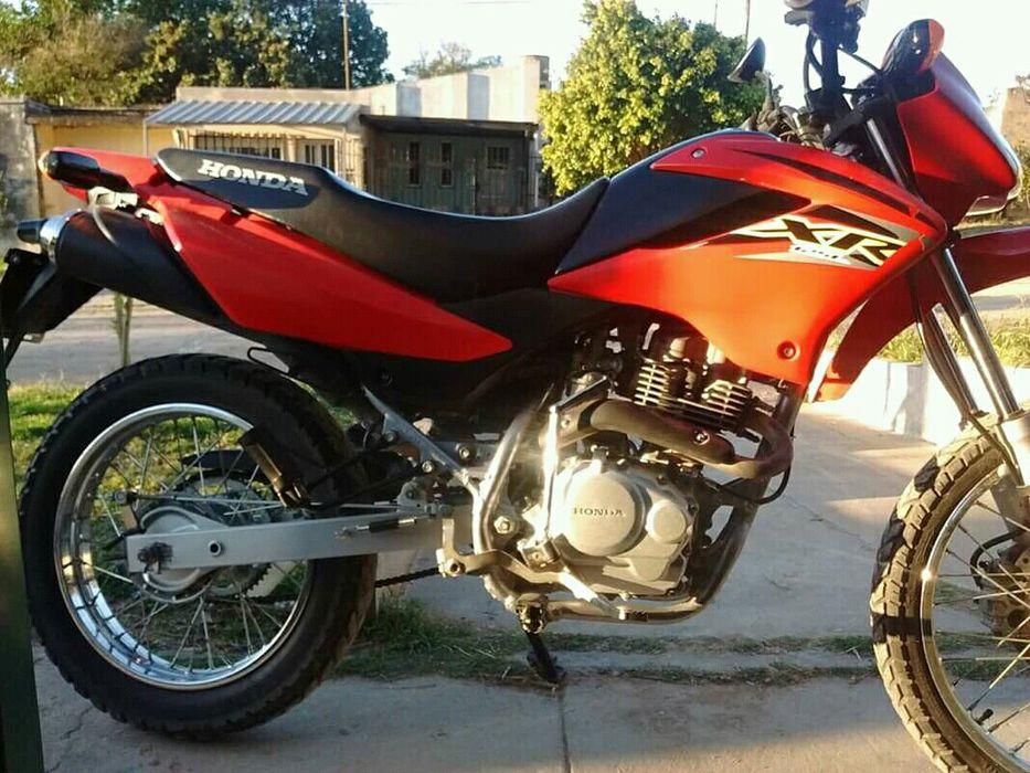 Honda xl 250 vermelha