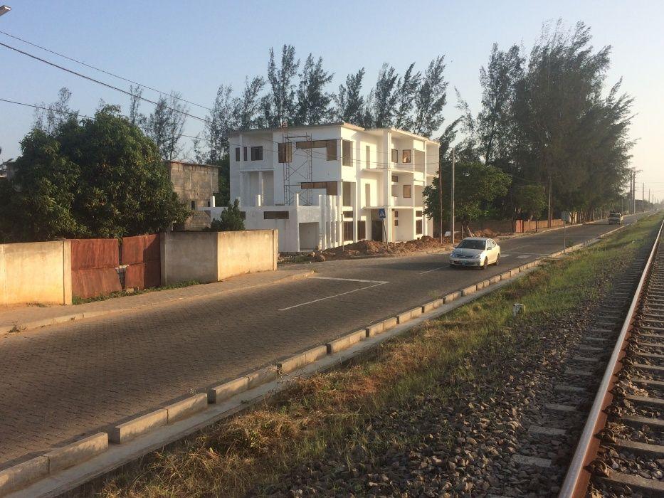 Mahotas 50x100.Vedado Maputo - imagem 4