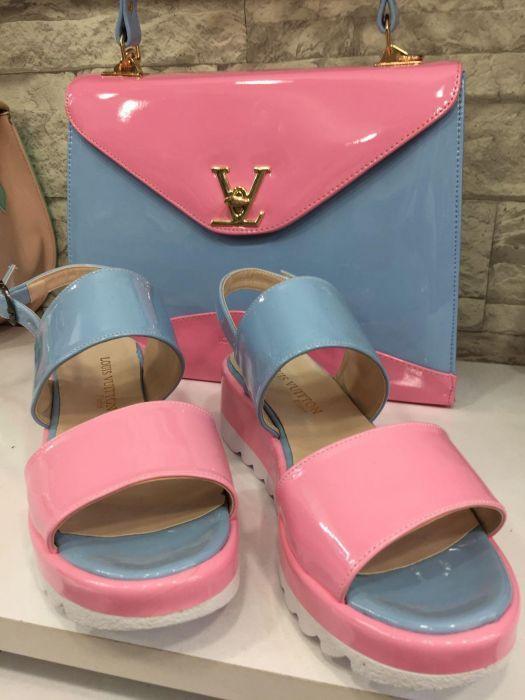 Set Louis Vuitton geanta+ sandale reducere 200 lei..