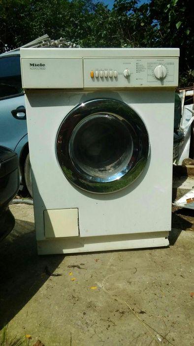 Vind masină de spălat MIELE functional perfect un furtun spart,