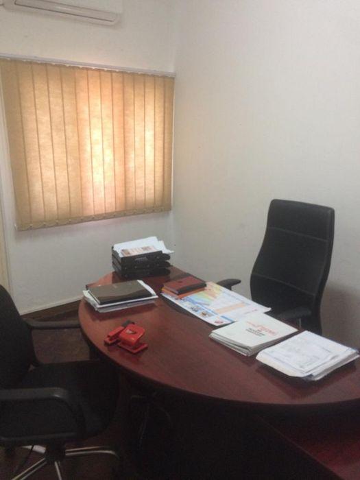 Arrendo 2 salas p/ office c/ moveis rua proximo a Av Julius Nyerere