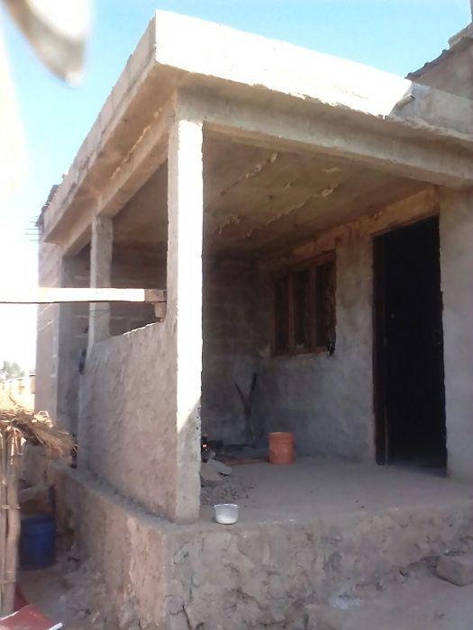 Vende-se Moradias (2 Dependências, Água e energia no mesmo Quintal)