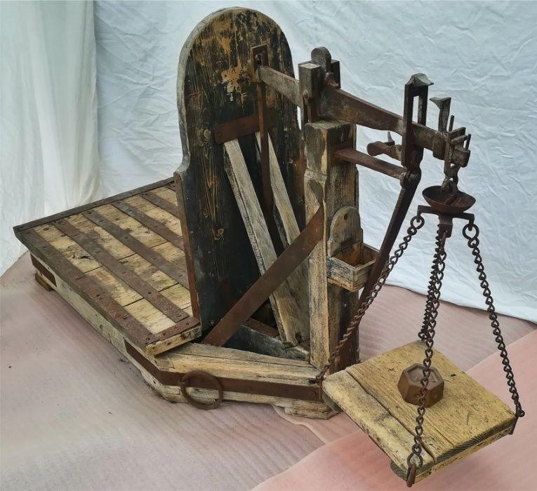 Cantar vechi, antic, din lemn masiv si fier - foarte bine intretinut!