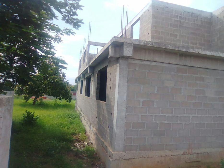 Vende-se esta casa com Espaço de 60m/60m está no Benfica