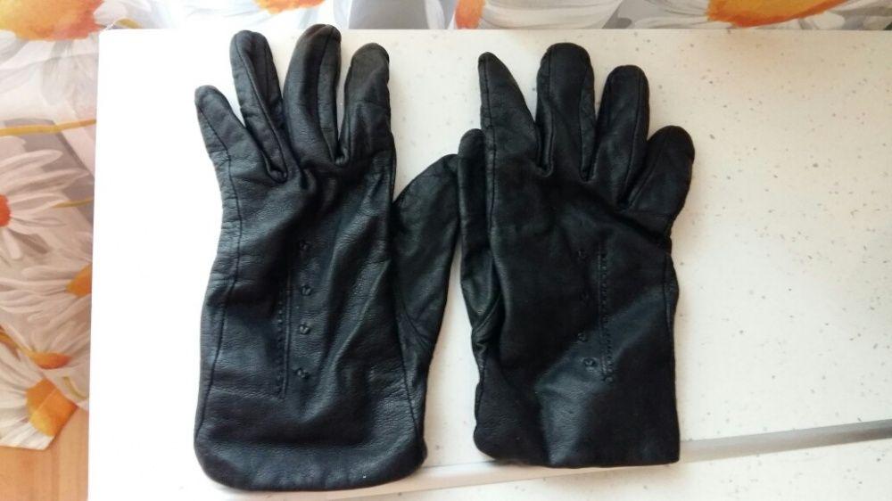 Перчатки кожанные женские