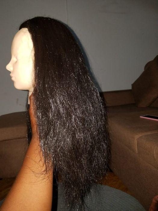 Manequim simples e com cabelo