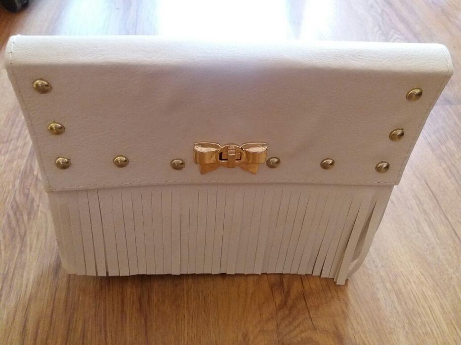 Бяла малка дамска чанта