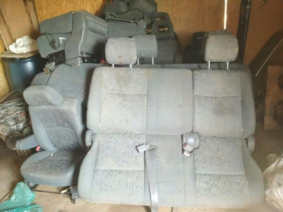 Сиденья на Toyota Previa