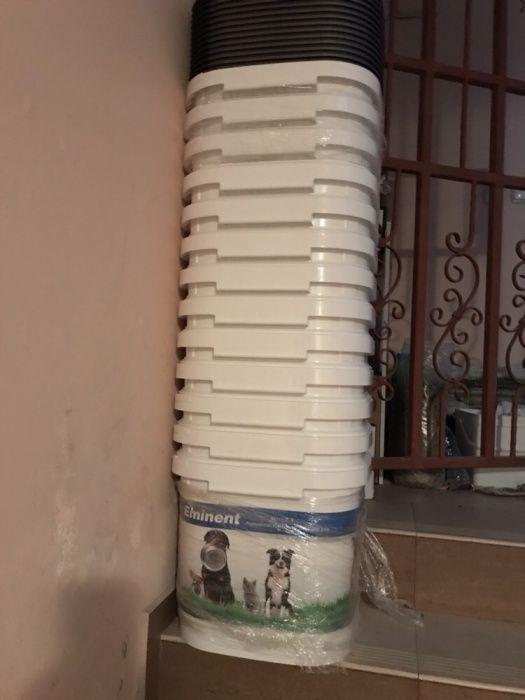 Храна за кучета, котки, контейнери, клетки за пренасяне, тоалетни и др