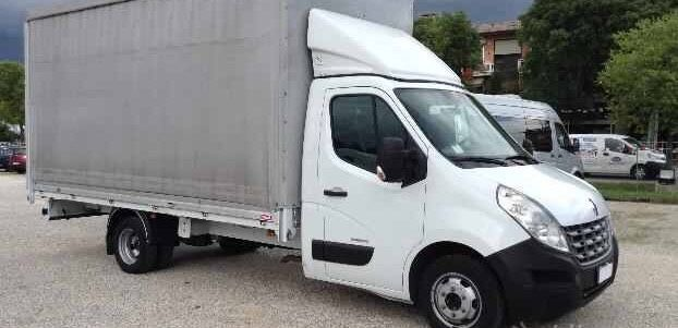 Dezmembrez Renault Master 2013