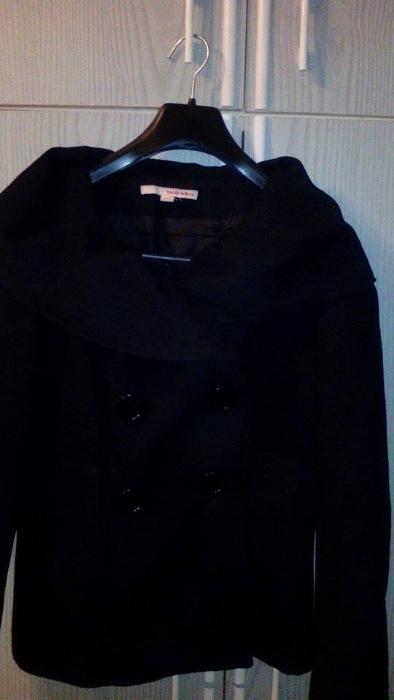 Продавам късо дамско палто на tally weijl размер S