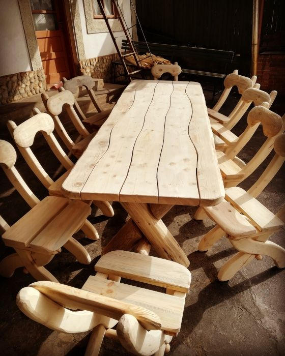 Masa rustica de 12 persoane (3 metri) (**Casa Padurarului**)