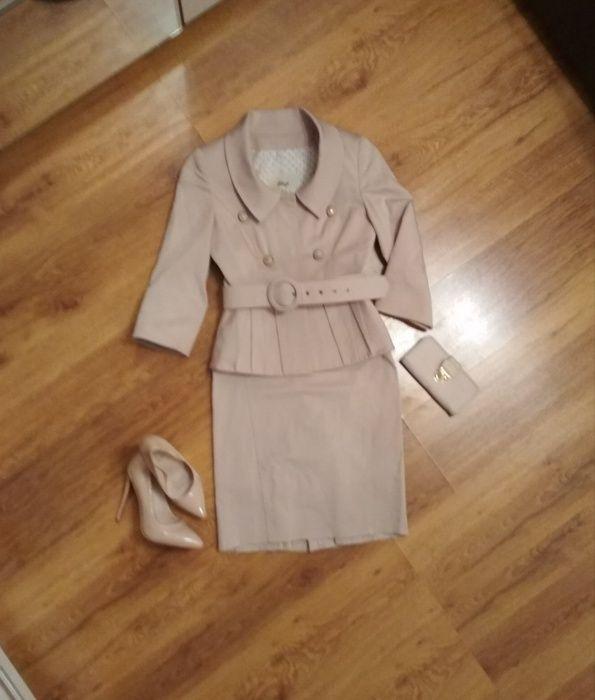Пиджак и юбка. Женский костюм.