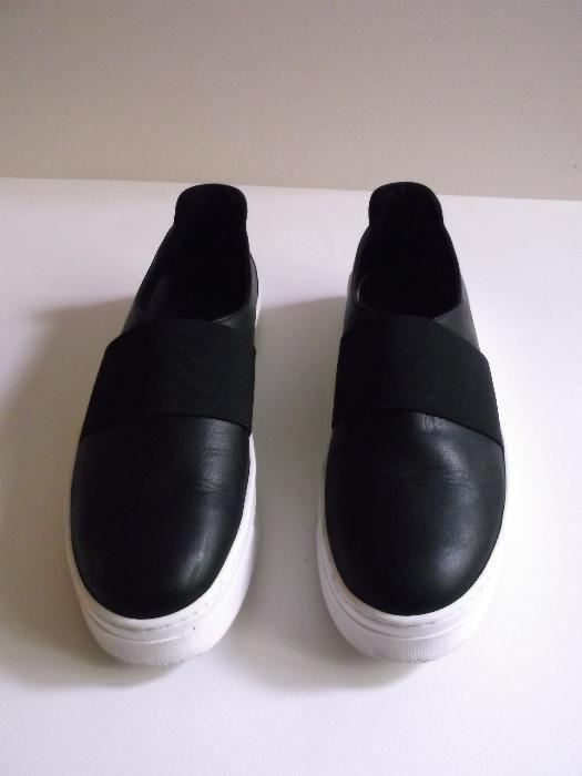 Елегантни дамски спортни обувки