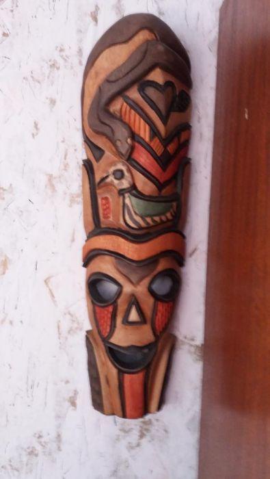ритуални маски и ножове