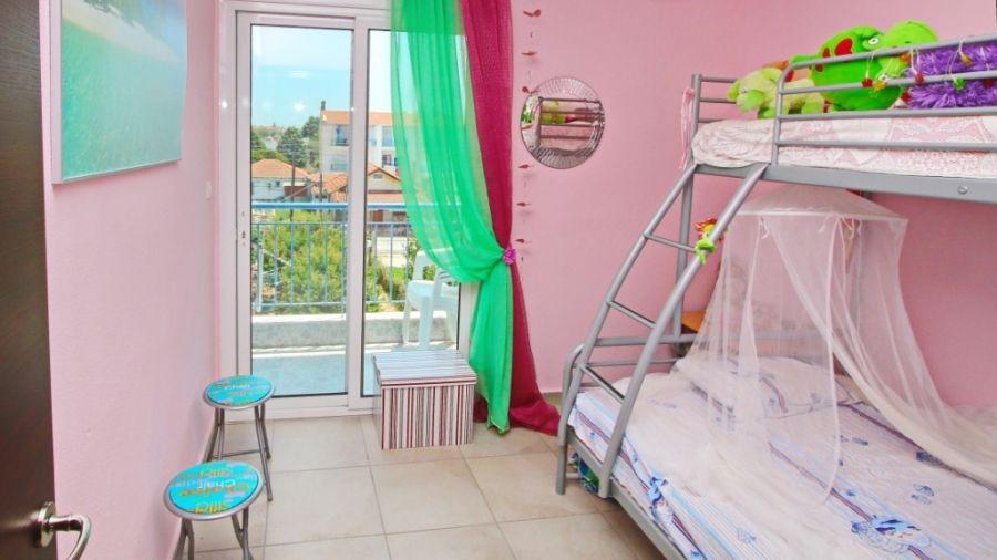 На море в Гърция: Апартамент с 2 спални до плажа на ОФРИНИО Бийч гр. София - image 6