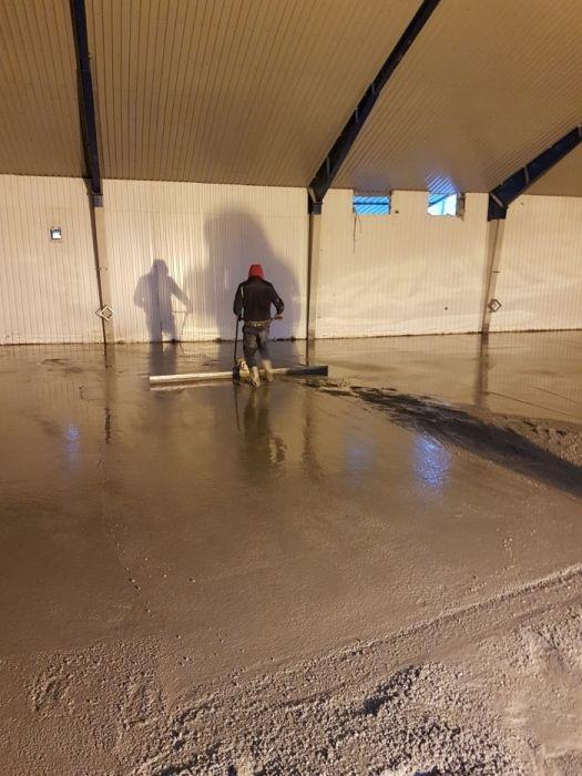 Pardoseli beton elicoperizat, finisat mecanic, rampe antiderapante!!! Ploiesti - imagine 1