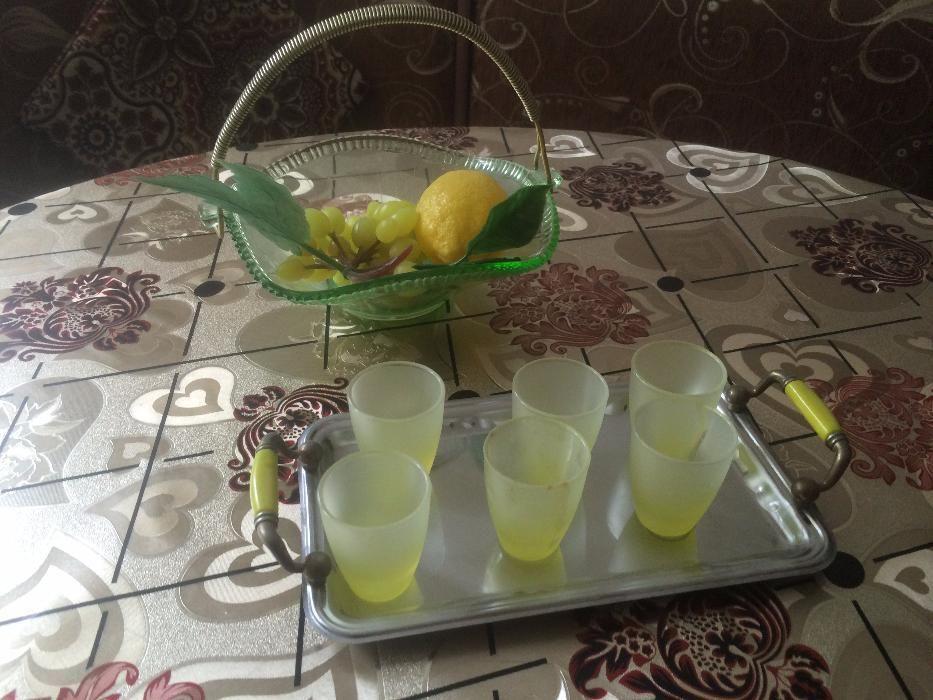 Tava cu set de paharute + fructiera din sticla