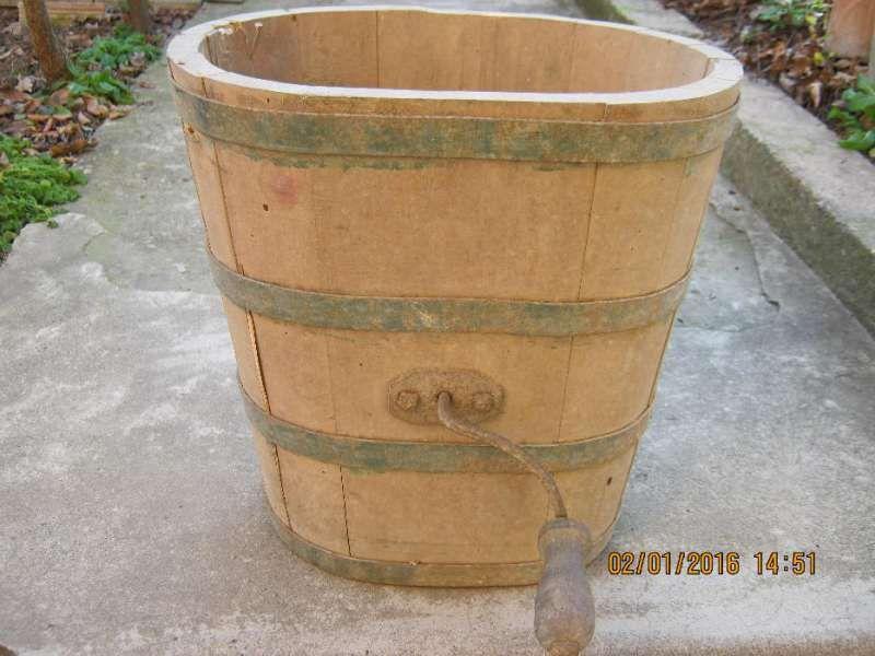 Старинен уред за биене на масло
