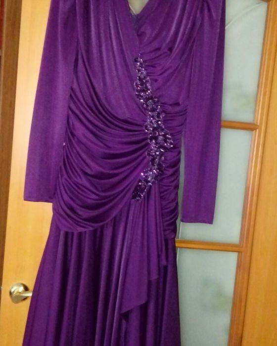 Продам красивое и оригинальное платье.