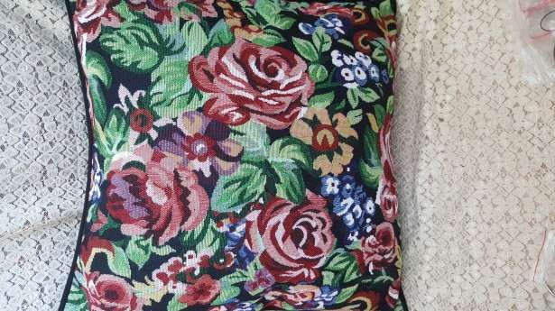Superbe fete de perna tapiserie florala