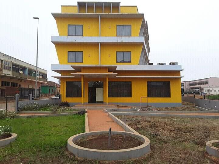 Vende-se este Hotel novo de 26 quartos, na Gabela, Cuanza Sul