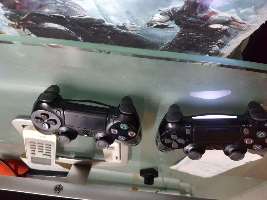 Comandos Ps4 V2 em pouco usado em excelentíssimas condições