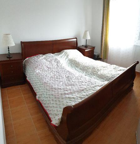 Vand pat din lemn masiv si noptiere