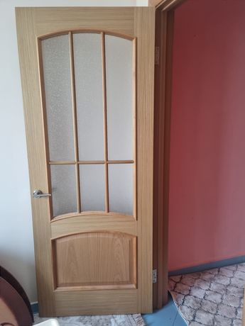 Продам дверь со стеклом