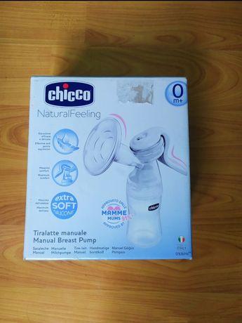 Новый молокоотсос Chicco ручной, кроксы Chicco, послеродовое бельё